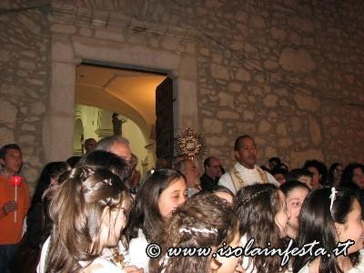 01-il-ss-sacramento-esce-dalla-chiesa-dei-cappuccini_1