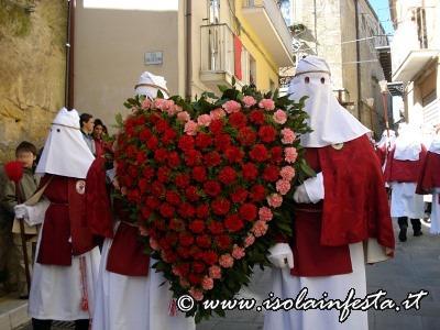 39-lomaggio-floreale-a-forma-di-cuore