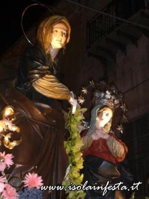 11-in-processione