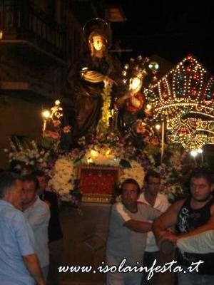 13-in-processione