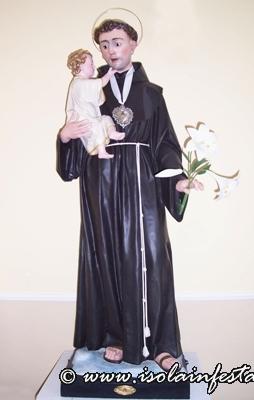 13-lantica-statua-in-cartapesta-del-1930-si-porto-in-processione-fino-al-1999-oggi-si-trova-nella-chiesa-del-cimitero