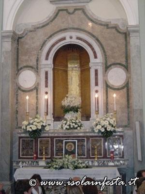 dscn2324-cappella-dove-viene-custodito-il-simulacro-di-san-domenico-per-tutto-lanno