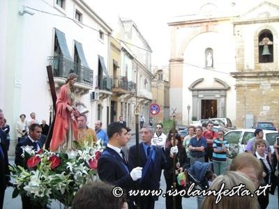 dscn2401-la-processione-davanti-la-chiesa-del-carmine