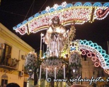 23-la-processione-a-sera