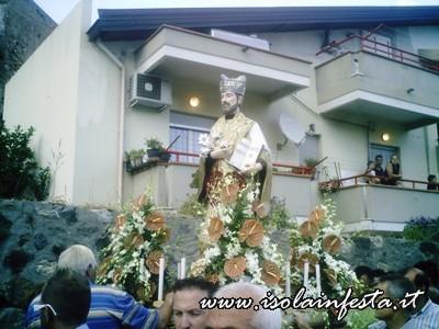 04-la-statua-di-s-gaetano-in-processione-per-le-vie-di-s-stefano-medio-10-08-08