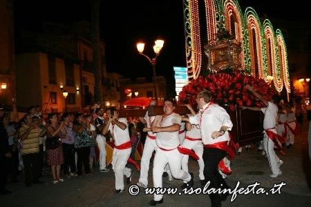 16-solenne-processione