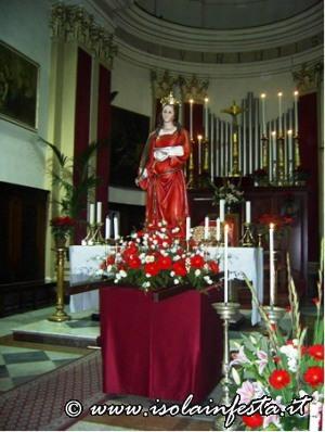10la-statua-con-la-portantina-vengono-sistemati-per-la-processione