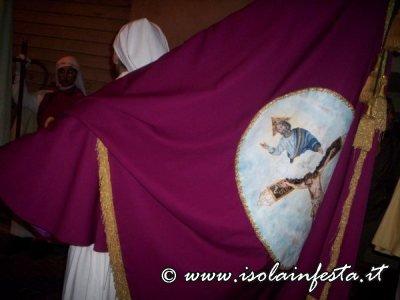 128-3-lo-stendardo-della-confraternita-dell-spirito-santo