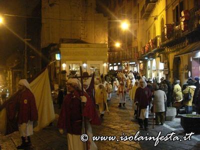50-la-procession-in-piazza-balata