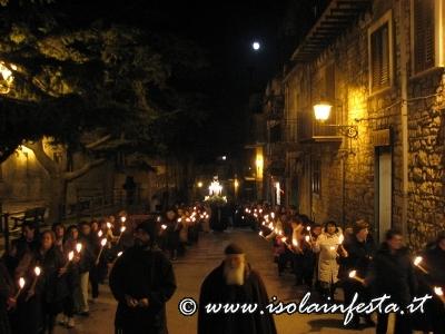 10-processione