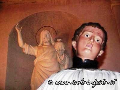 20-scorcio-del-simulacro-di-san-luigi-e-della-grande-statua-del-cristo-re-sulla-facciata-della-chiesa