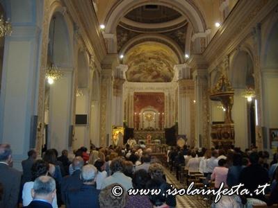 13-festa-sosta-della-processione-in-chiesa-madre-per-la-celebrazione-eucaristica