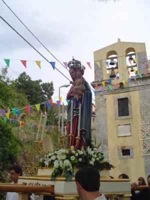 la-madonna-in-processione