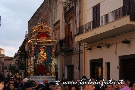 17-tris-processione