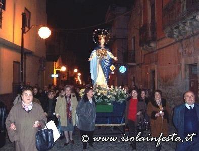 8-la-processione-su-via-umberto