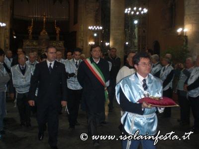 12-in-processione-ci-si-reca-alla-cappella-custodia