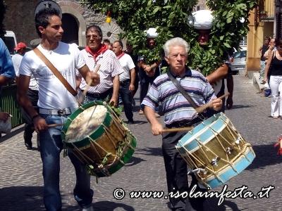 34-i-tamburi-in-processione