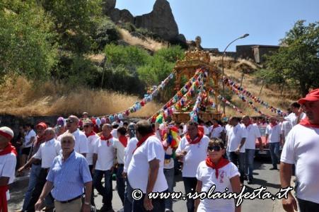134-la-processione-ai-piedi-della-rocca