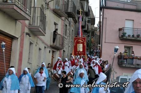 259-la-processione-pe-le-vie-del-paes