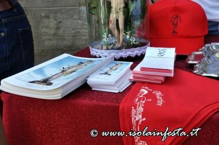 26-oggettie-immagini-vendute-dalla-confraternita