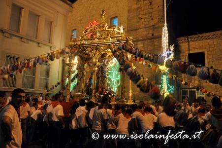 314-il-santo-scende-nella-chiesa-della-madonna-del-carmelo