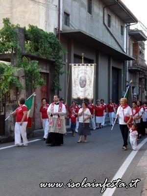 20-la-processione-si-reca-nella-chiesa-di-santa-lucia