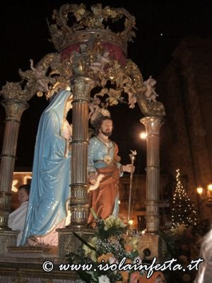 sacrafamiglia2011-mineo