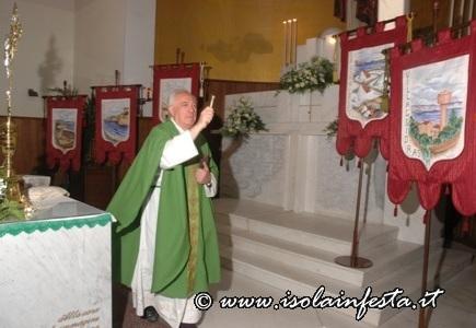 3-benedizione-gonfaloni-del-rione