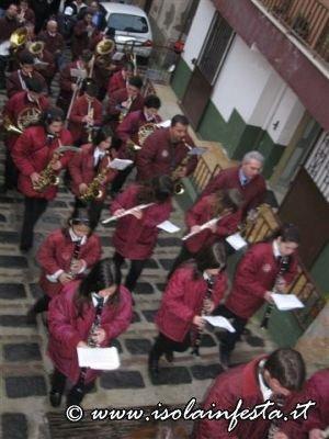 04-la-banda-musicale-a-giampilieri-10-04-09