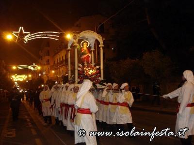 22-la-processione-in-viale-iv-novembre